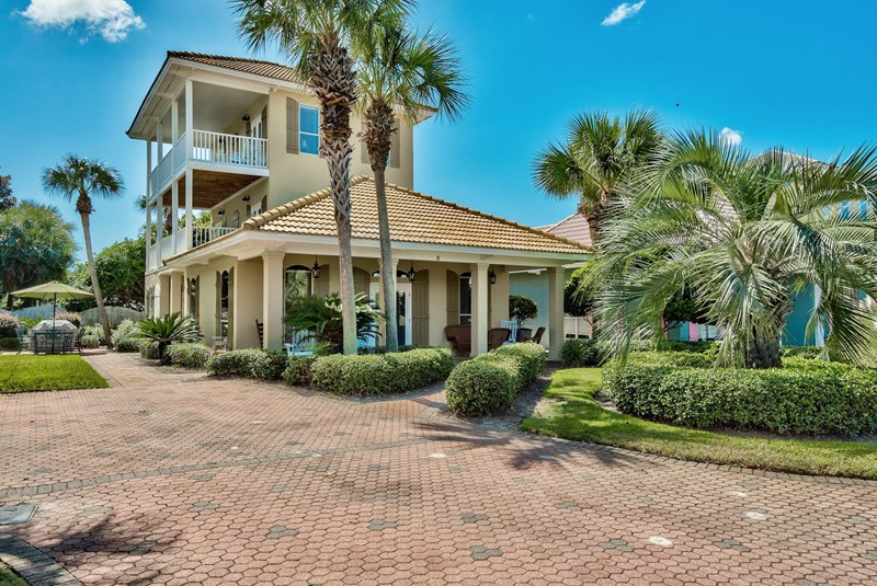 4br/3ba sleeps 16 - Gulf views, 2 pools, Tennis, and Private Beach Pavilion