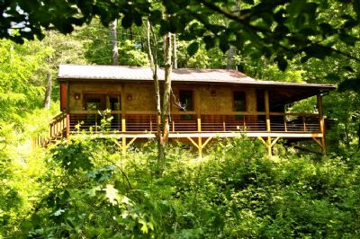 Custom built new log cabin in the woods for Linville falls cabin rentals