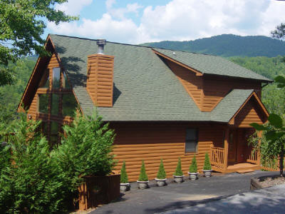 Charmant This Single Family Home Vacation Rental Features 3 Bedrooms, 4 Bathrooms,  Located Mountain And Accomodates 1   10 Occupants.