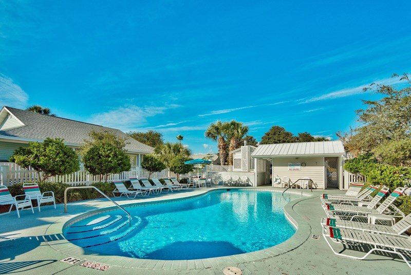 deja blue is a 5 bedroom destin florida beach vacation house rental by owner