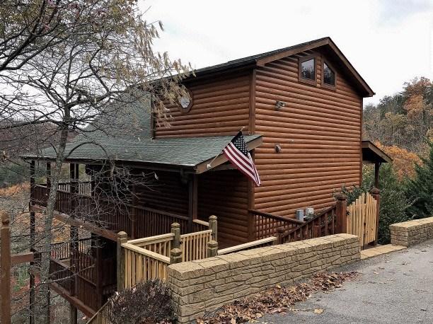 1 Bedroom log rental cabin in beautiful Wears Valley, near