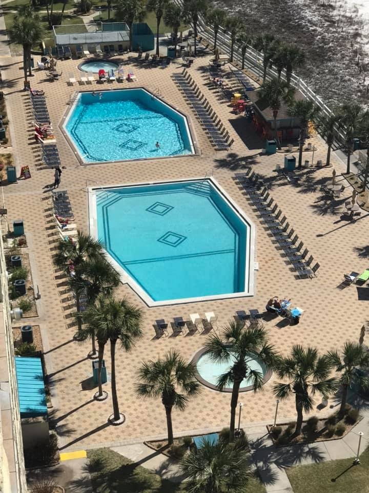 Two pools, hot tubs, kiddie splash pools, Tiki bar and Bikini Bob's restaurant