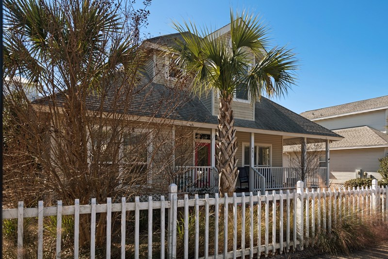 Beach block cottage destin fl vacation rentals by owner for Block home builders in florida