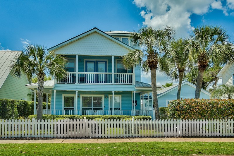 Brilliant Deja Blue Is A 5 Bedroom Destin Florida Beach Vacation House Home Interior And Landscaping Ferensignezvosmurscom