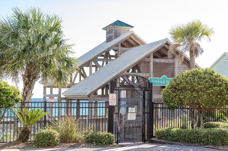 Private beach pavilion with bathrooms, snack bar and rinse showers.  One of a kind in Destin!