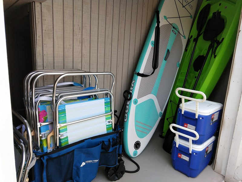 2 SUPs, kayak, coolers, free beach chair srvc for 6, etc
