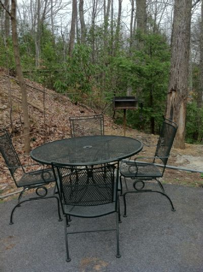 Cook out side with dinning table
