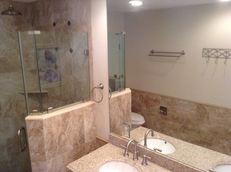 Walk n glass/tile shower/rain head to sooth