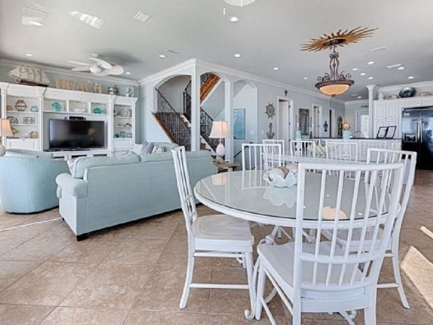 The Magnificat Beach Front Luxury Vacation Home Rental 8