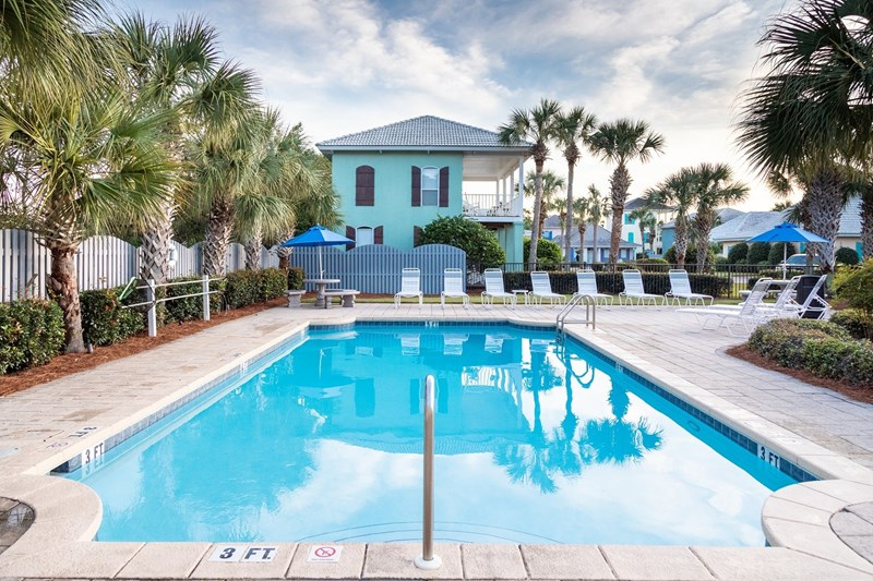 Second pool offered in Emerald Shores, one is always heated seasonally