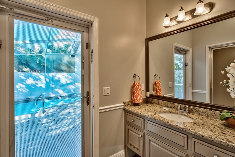 Master Bath walkout to pool