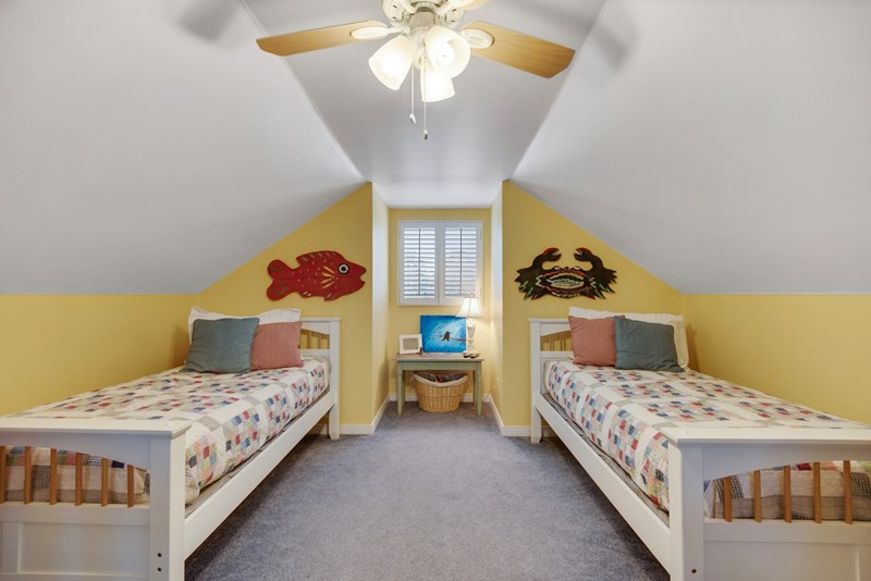 Spacious 2nd Floor Kids Bed Room& Play Room.