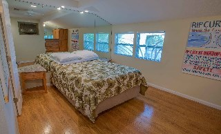 GUEST BEDROOM?wood floors