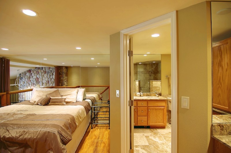 master suite with full bath