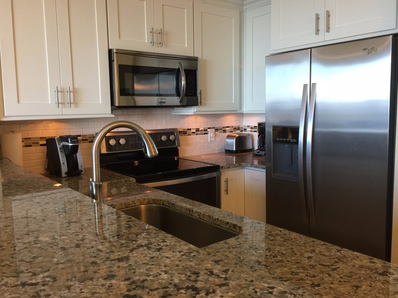 Shaker cabinets and granite