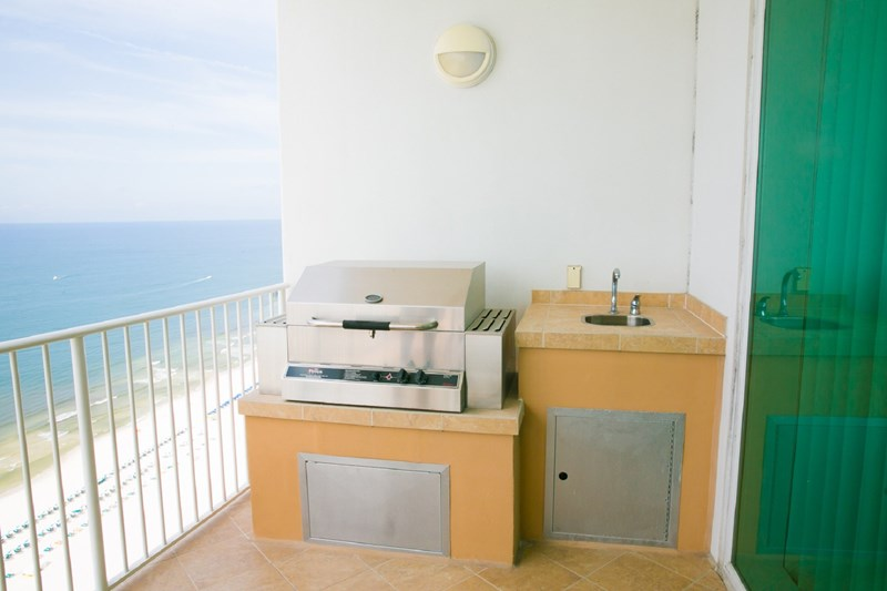 Gas grill with sink on the balcony