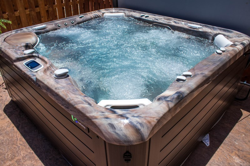 Grandee 7 Seat Hot Tub!
