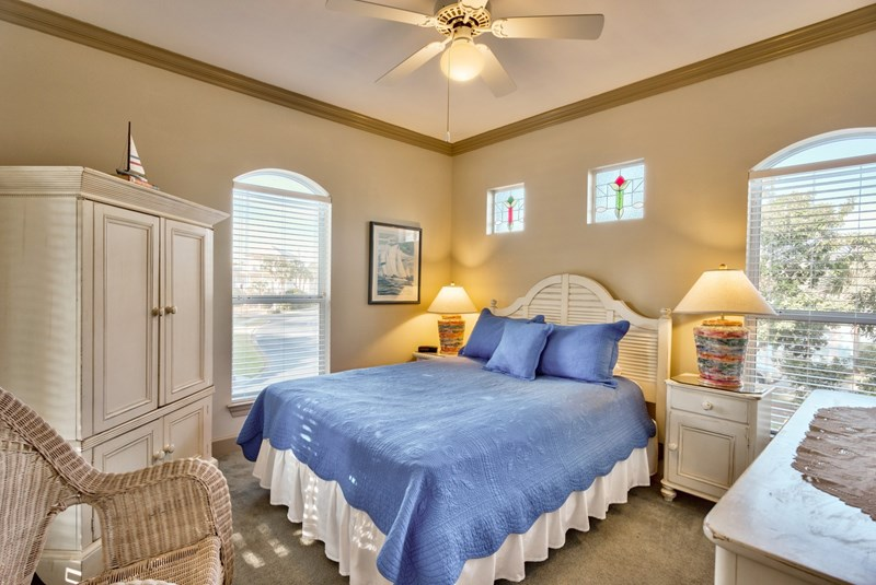 Destin florida vacation home for rent emerald shores 3 - 1 bedroom condos in destin fl on the beach ...