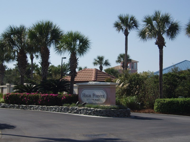 Entrance to High Pointe