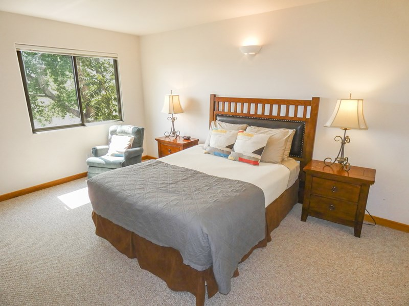 Upstairs Bedroom #2 | Queen Size Bed