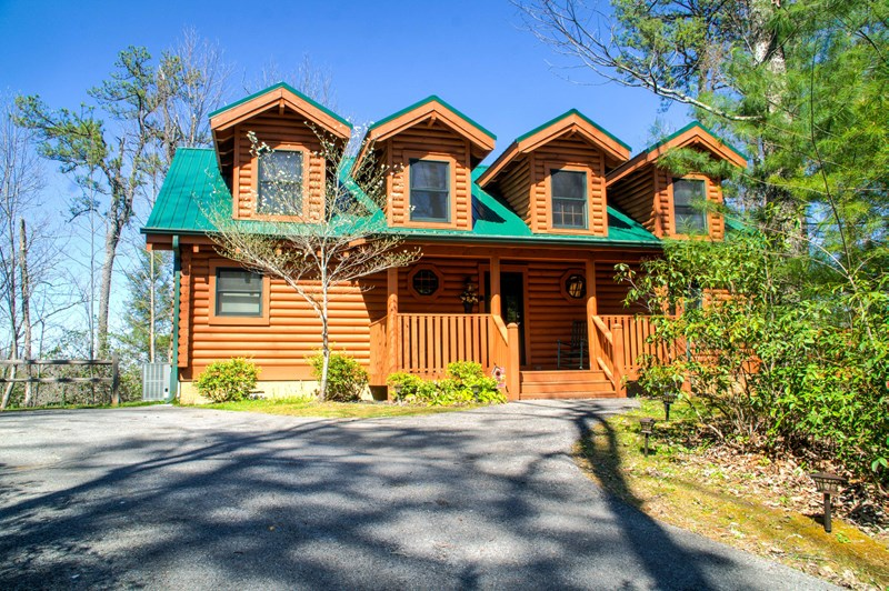 Private end of cul-de-sac