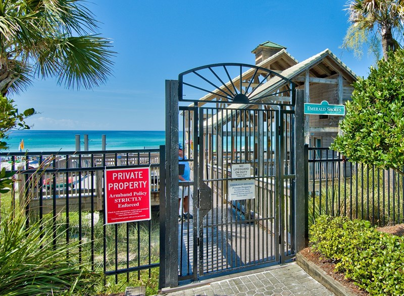 Private deeded beach access - no overcrowding at our beach