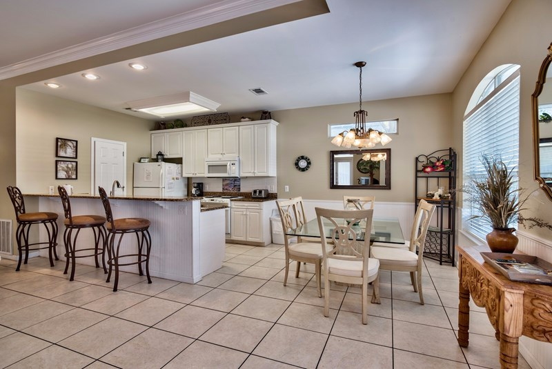 open floorplan for family gath