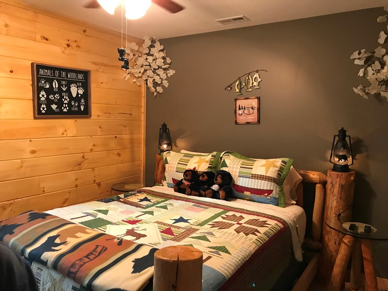 Camping Zone Room-1st Floor Queen Bdrm 40