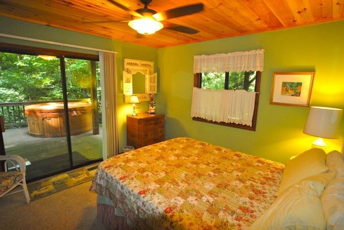 Queen bedroom with deck access