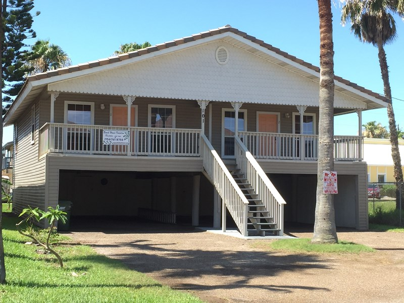 Affordable beach house vacation rental on south padre island for Cabin rentals south padre island tx