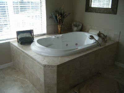 Master Suite - Spa Tub