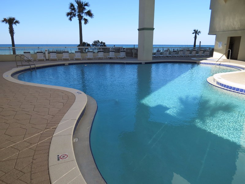 Celadon beachside pool with hot tub