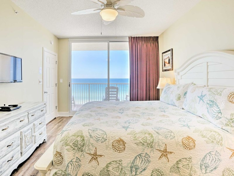 MASTER BEDROOM OVERLOOKING THE GULF